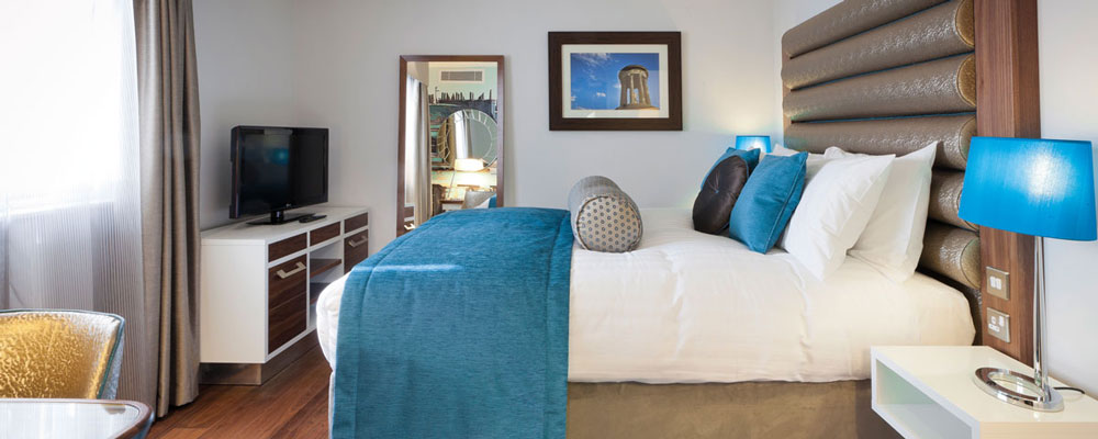 Accessible Bedroom - 4 Star Hotel in Edinburgh, Luxury Accommodation ...